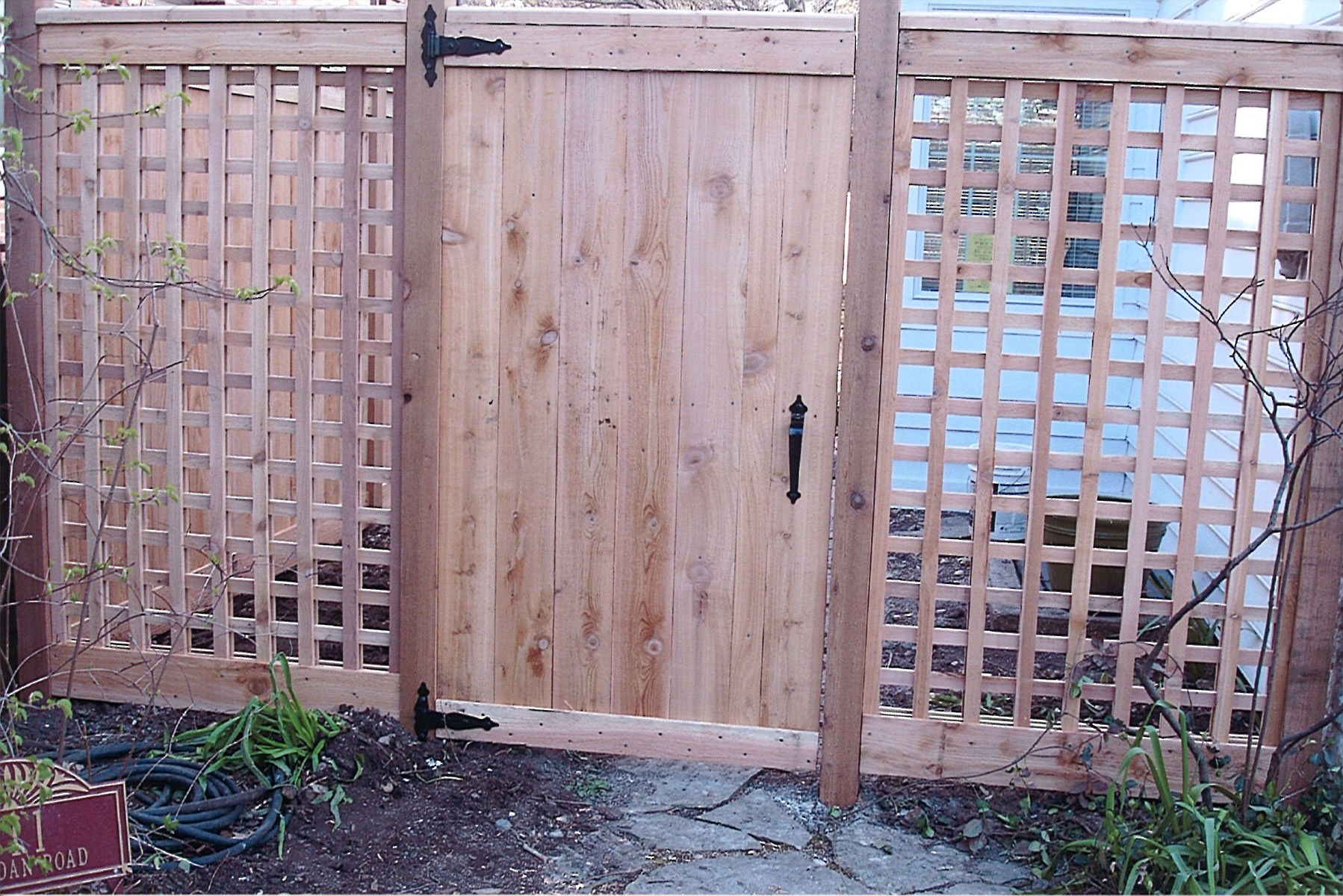 Traditional With Square Lattice Family Fences